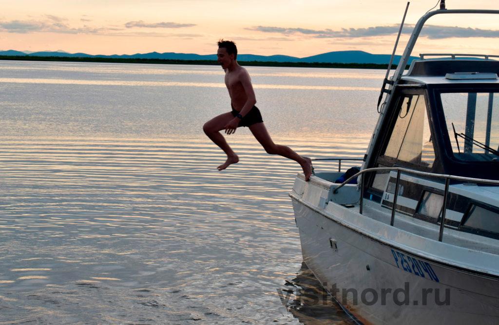 Прыжок с катера в Красенено