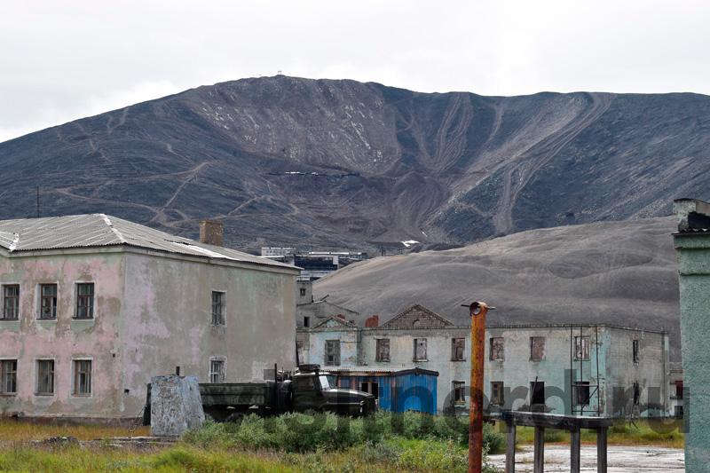 Вид на ГОК через здания