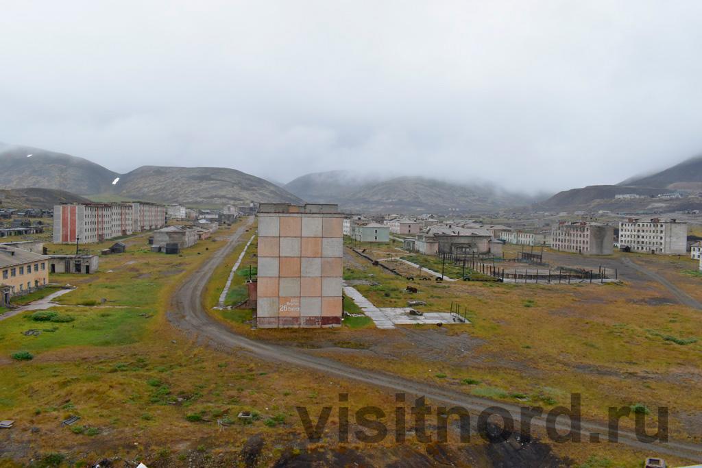 Вид с крыши на сопки