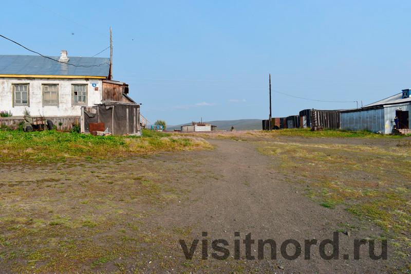 Центральная площадь села Снежное