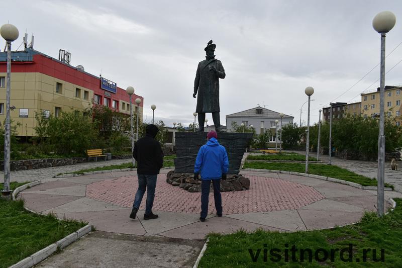Памятник Гринивецкому